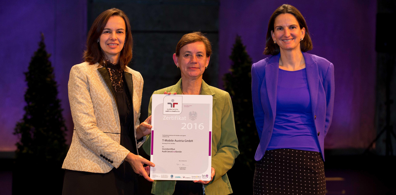 T-Mobile erhält Auszeichnung für Familienfreundlichkeit